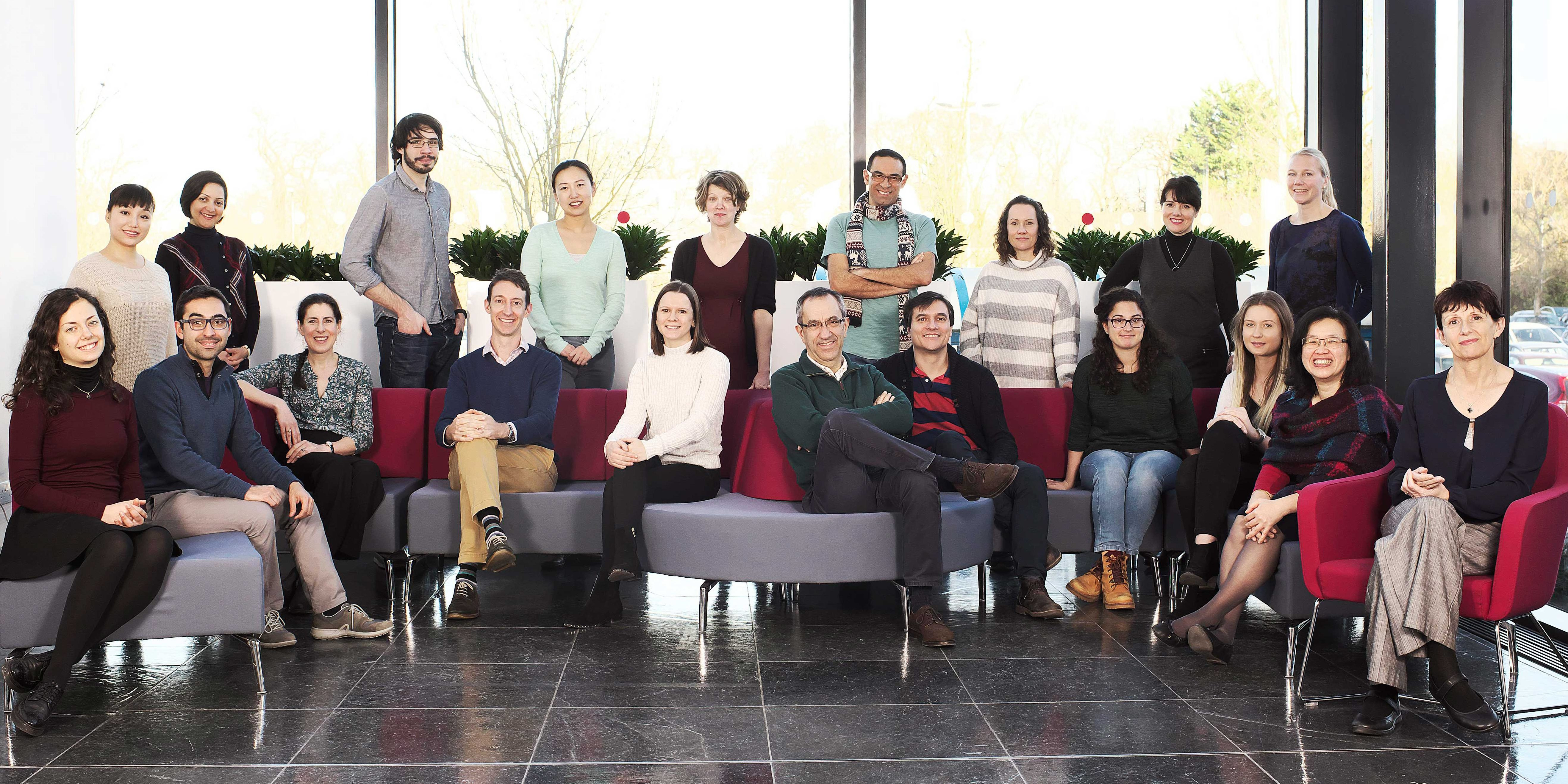 Prof Caldas with his research group